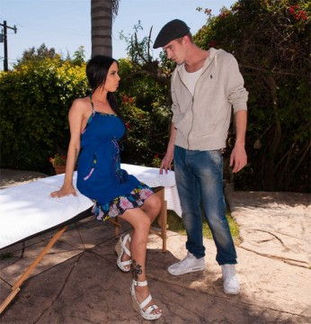 � �����, � � �� ���� ������ / Brandy Aniston (I've Fallen and I Can't Get Up) (2013) SiteRip