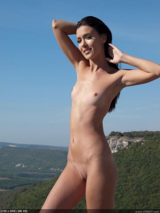 Голые женщины с плоской грудью фото