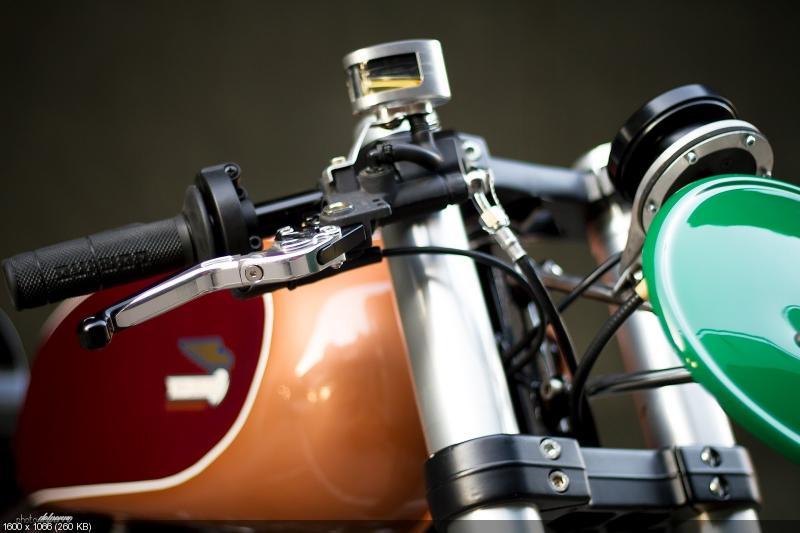 Винтажный гоночный кастом Ducati F3 - Radical Ducati