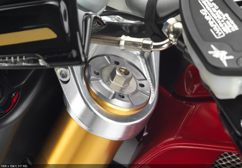 Фотографии мотоцикла MV Agusta Brutale Corsa 2013