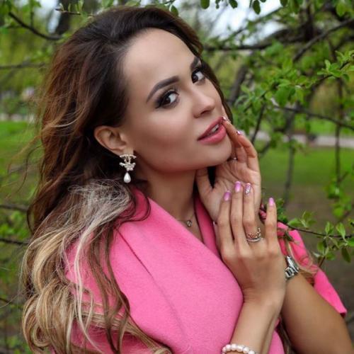 Бывшая невеста Прохора Шаляпина Калашникова снова ждет ребенка